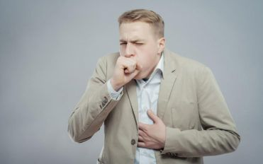 Acute and chronic cough: Causes and treatment