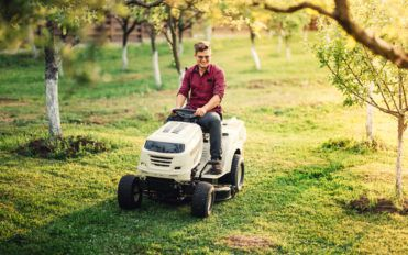 Advantages of Ride Lawn Mowers