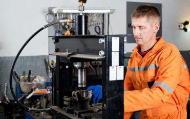 Auto locksmiths: The rescuers