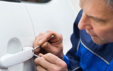 Auto locksmiths and their role