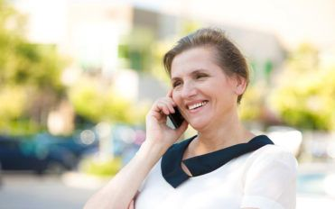 Best companies that offer free cell phones for seniors