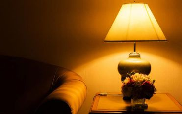 Best deals on table lamps from e-stores