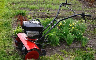 Best gardening tillers to buy under $200