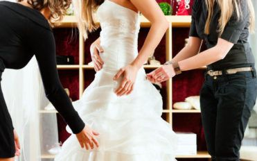 Best places to buy wedding clothing at a discounted price