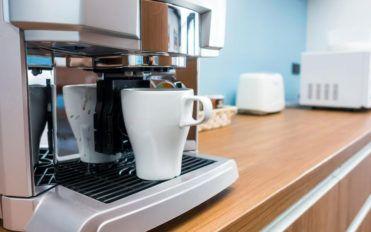 Brew fresh coffee in 5 steps with Keurig coffee makers