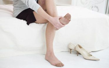 Can diabetes cause foot pain?