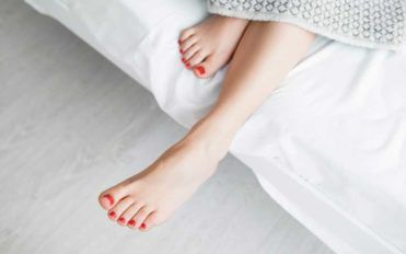 Causes for Pain on the Top of the Foot