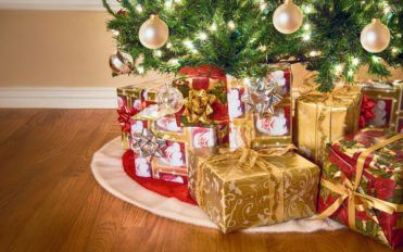 Christmas gift basket ideas for your loved ones