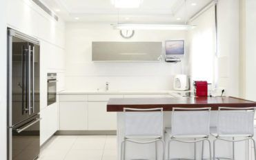 Cleaning tips for your kitchen furniture