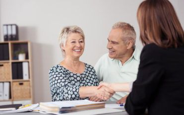 Contract lawyers – Here's what you need to know