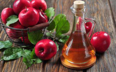 Controlling diabetes using vinegar