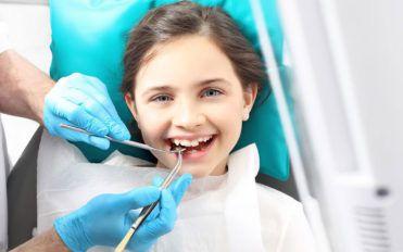 Dental clinics can teach your kids about oral hygiene