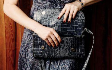 Different types of Dooney bourke purses