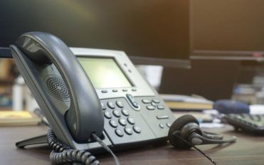 Factors to consider before choosing a business broadband and landline connection