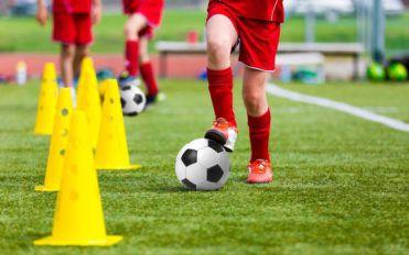 Football – Basic ball control techniques