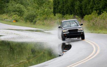 Ford F150 Truck-V8 vs V6