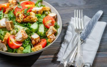 Healthy diet to control the cholesterol levels