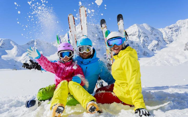 Here are a few things to know about ski goggles