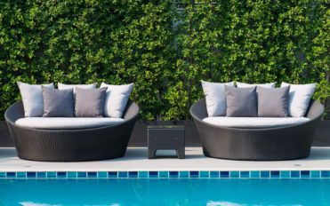 How to buy stylish pool furniture for your outdoor space