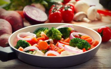 How to control high blood pressure through proper diet?