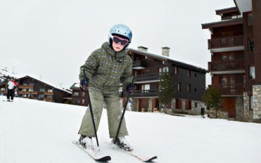 How to differentiate between ski and snowboard jackets