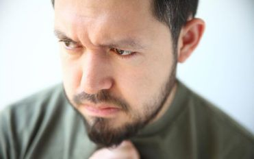 How to distinguish between heartburn, acid reflux, and heart attack