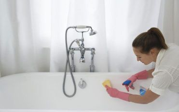 How to keep your bathroom clean and organized?