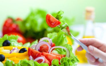 How to prevent heart diseases by following a heart healthy diet?