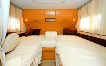 How to purchase the best sofa for your RV