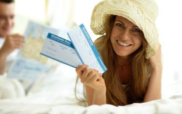 How to save with round-trip flight tickets