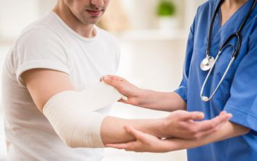 How to select the best orthopedic surgeon for yourself