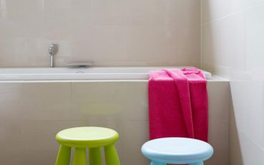 How to use colors in children's bathroom