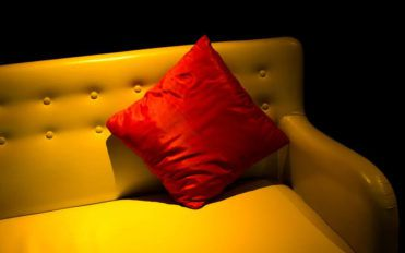 Important tips for choosing best sofa covers