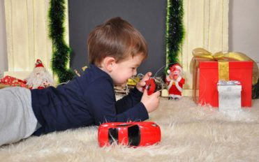 Inculcate the habit of cleanliness in your kids with these toy boxes