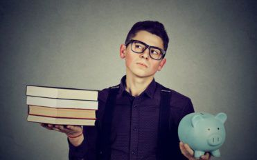 Know about the best student loan refinance options