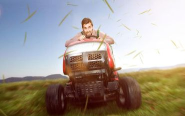Lawn tractors and riding lawn mowers- Essential gardening tools