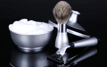 Luxurious shaving sets for men