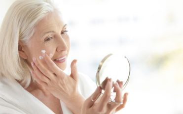 Make Your Skin Look Young Forever With The Best Wrinkle Creams