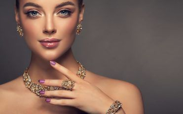 Popular Reasons Why Women Love Jewelry