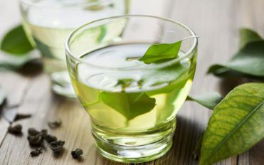 Popular home remedies to stop watery eyes
