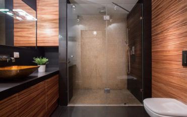Pros and cons of a solid surface shower pan