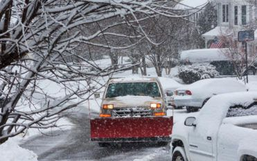 Quick maintenance tips for snow plows