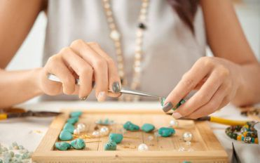 Quirky DIY jewelry ideas for trendy women