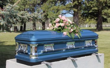 Say the last goodbye to your loved ones through a meaningful funeral