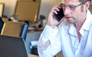 The growing trend of virtual office phone services
