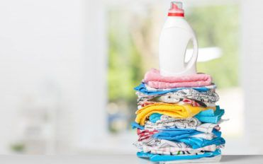 The pros and cons of powder and liquid laundry detergent