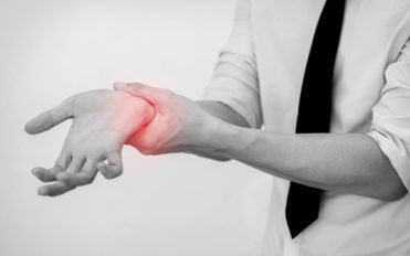 The symptoms, similarities and treatment of rheumatoid arthritis and lupus