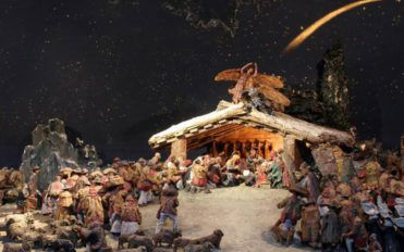 Things that the perfect Christmas crib should have