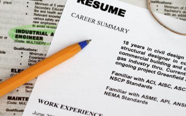 Things to consider before choosing a resume writing service
