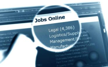 Things to do before applying for a job through online job listings